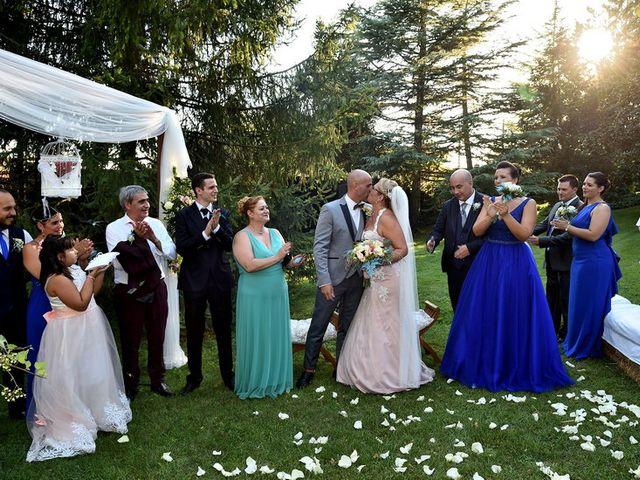 La boda de Chelo y Xisco en Santpedor, Barcelona 26