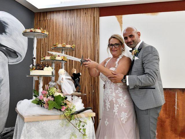 La boda de Chelo y Xisco en Santpedor, Barcelona 44