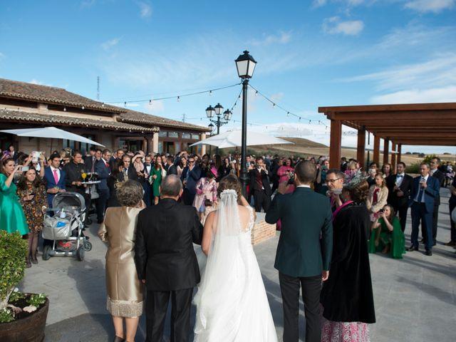 La boda de Rory y Cristina en Los Navalucillos, Toledo 34