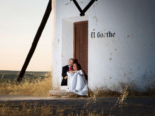 La boda de Juan y Azahara en Mota Del Cuervo, Cuenca 1