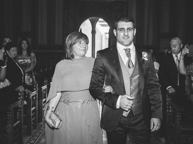 La boda de Julio y Melissa en Sant Vicenç De Montalt, Barcelona 16