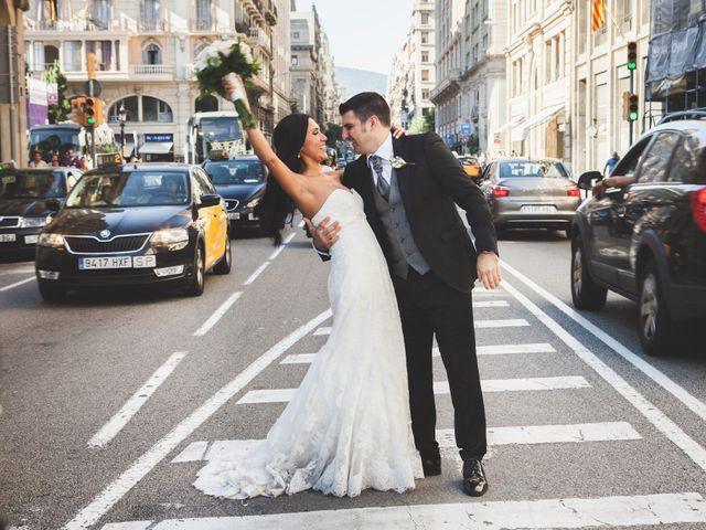 La boda de Julio y Melissa en Sant Vicenç De Montalt, Barcelona 39