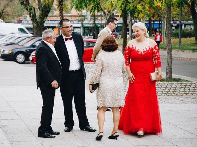 La boda de Vicente y Raquel en Alcorcón, Madrid 7
