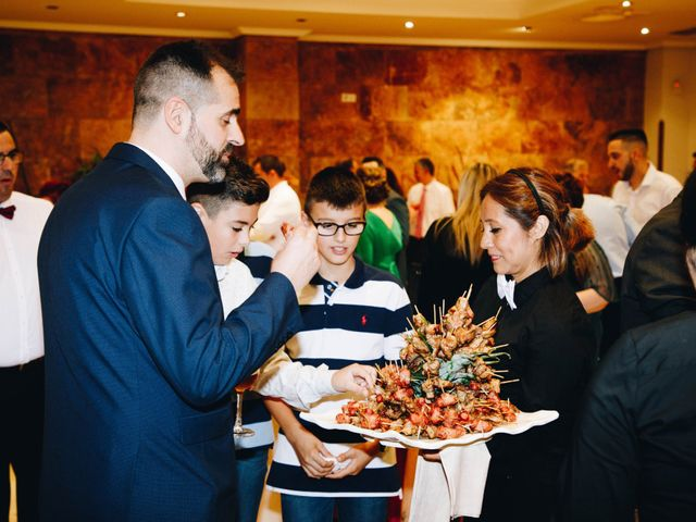La boda de Vicente y Raquel en Alcorcón, Madrid 38