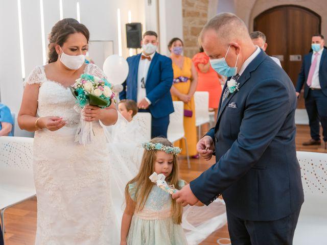 La boda de Antonio y Rocio en San Fernando, Cádiz 12