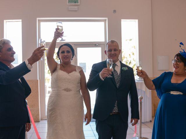 La boda de Antonio y Rocio en San Fernando, Cádiz 25