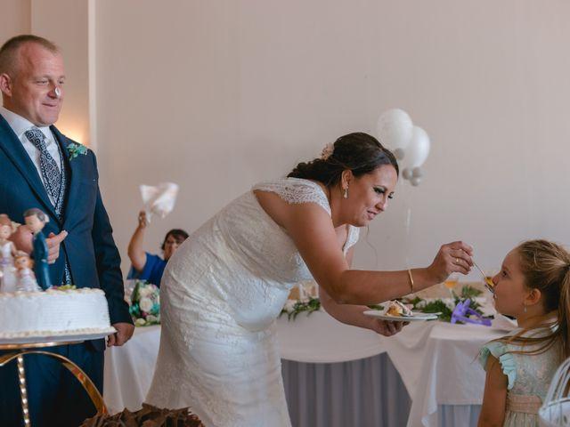 La boda de Antonio y Rocio en San Fernando, Cádiz 30