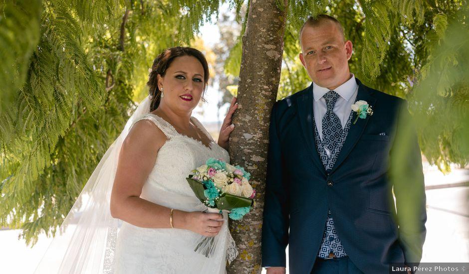 La boda de Antonio y Rocio en San Fernando, Cádiz