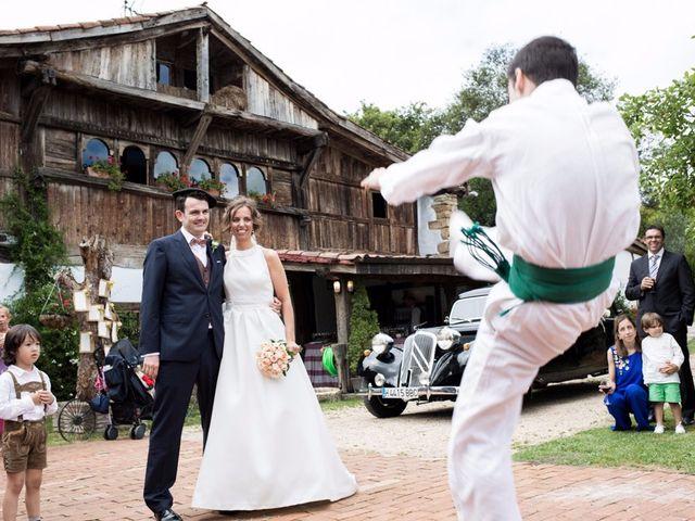 La boda de Dani y Leire en Loiu, Vizcaya 15