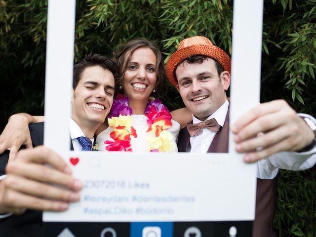 La boda de Dani y Leire en Loiu, Vizcaya 23
