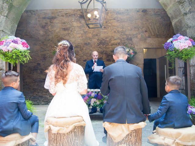 La boda de Daniel y Tatiana en San Tirso (Mens), A Coruña 12