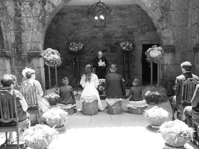 La boda de Daniel y Tatiana en San Tirso (Mens), A Coruña 13