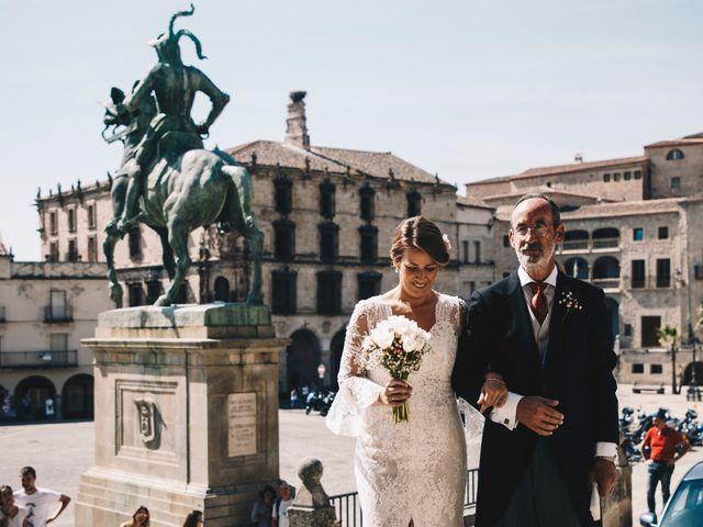 La boda de Miguel Ángel y Lorena en Trujillo, Cáceres 19