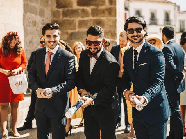 La boda de Miguel Ángel y Lorena en Trujillo, Cáceres 24