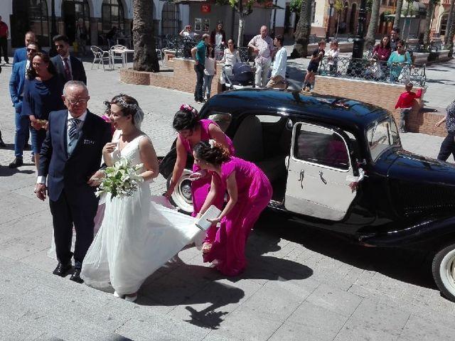La boda de Daniel y María de los Ángeles en La Palma Del Condado, Huelva 4