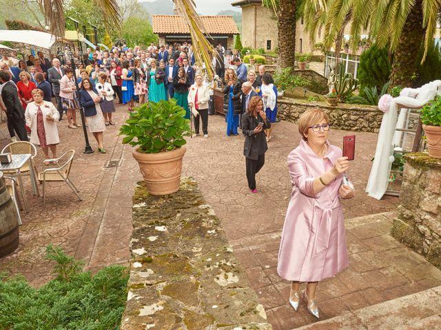 La boda de Clemente y María José en Panes, Asturias 15