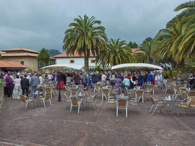 La boda de Clemente y María José en Panes, Asturias 17
