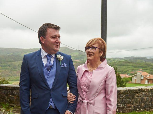 La boda de Clemente y María José en Panes, Asturias 23