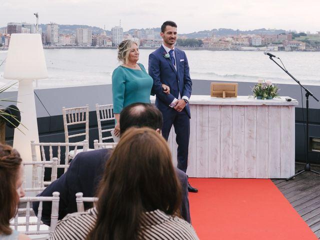 La boda de Diego y Paula en Gijón, Asturias 23