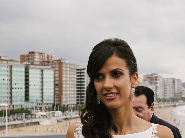 La boda de Diego y Paula en Gijón, Asturias 35