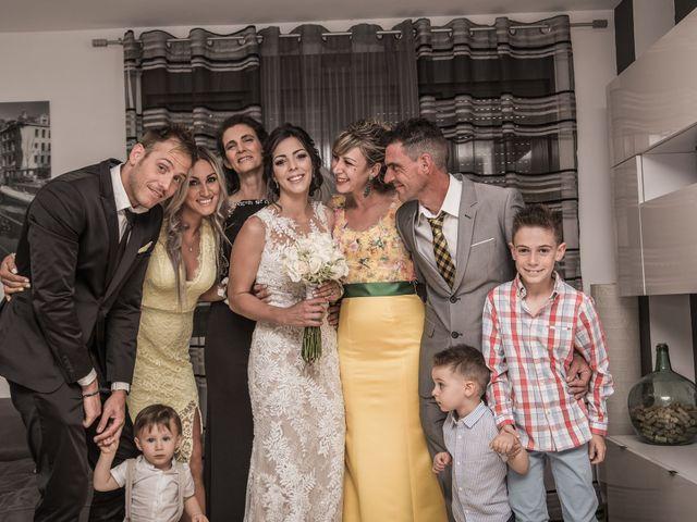 La boda de Pablo y Angela en Santa Amalia, Badajoz 24