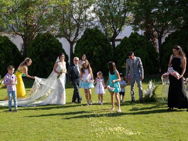 La boda de Pablo y Angela en Santa Amalia, Badajoz 32