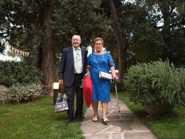 La boda de Jon y Mónica en Vilanova Del Valles, Barcelona 22