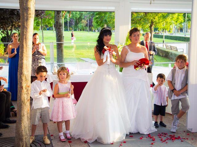 La boda de Patricia y Irune en Bilbao, Vizcaya 12