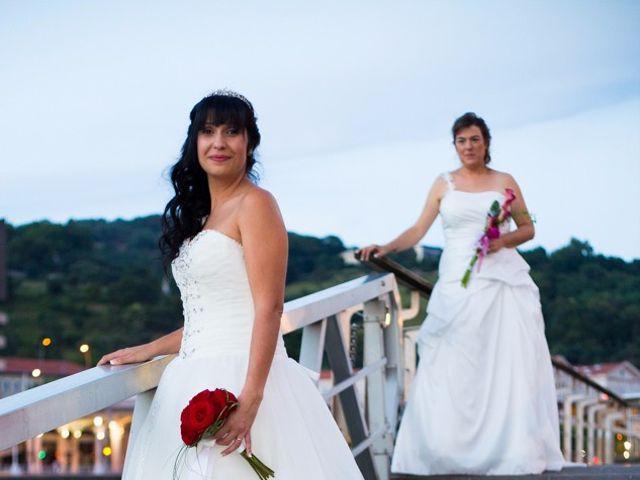 La boda de Patricia y Irune en Bilbao, Vizcaya 15