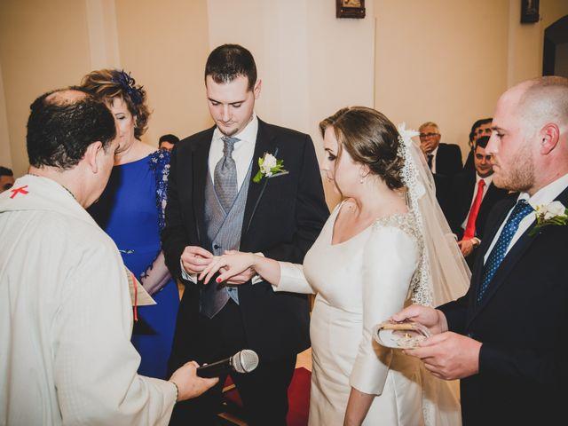 La boda de Santiago y Pilar en Bolaños De Calatrava, Ciudad Real 20