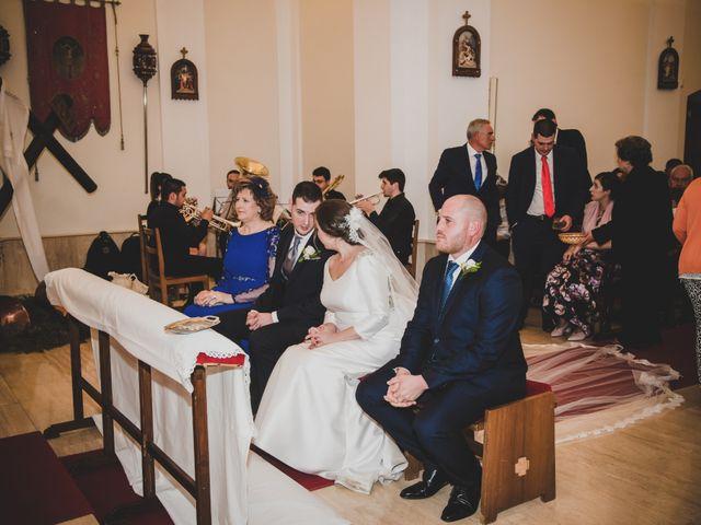 La boda de Santiago y Pilar en Bolaños De Calatrava, Ciudad Real 21