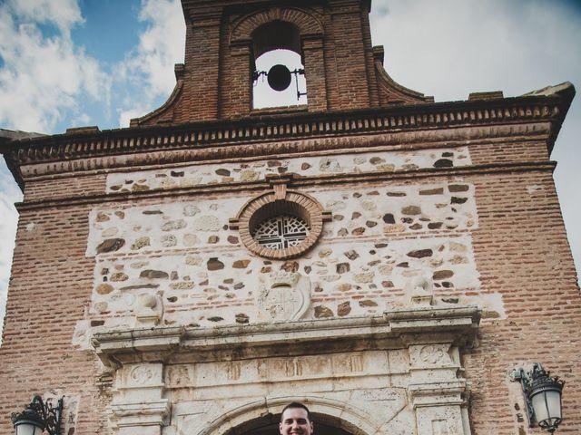 La boda de Santiago y Pilar en Bolaños De Calatrava, Ciudad Real 24