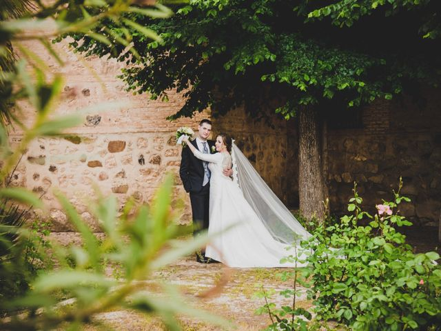 La boda de Santiago y Pilar en Bolaños De Calatrava, Ciudad Real 26