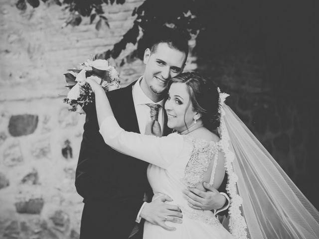La boda de Santiago y Pilar en Bolaños De Calatrava, Ciudad Real 28