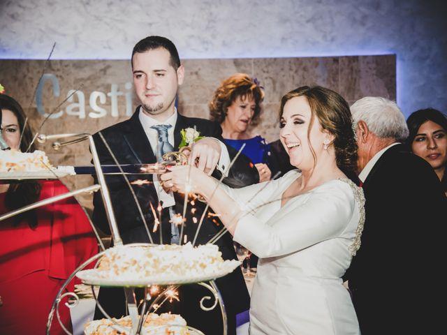 La boda de Santiago y Pilar en Bolaños De Calatrava, Ciudad Real 33
