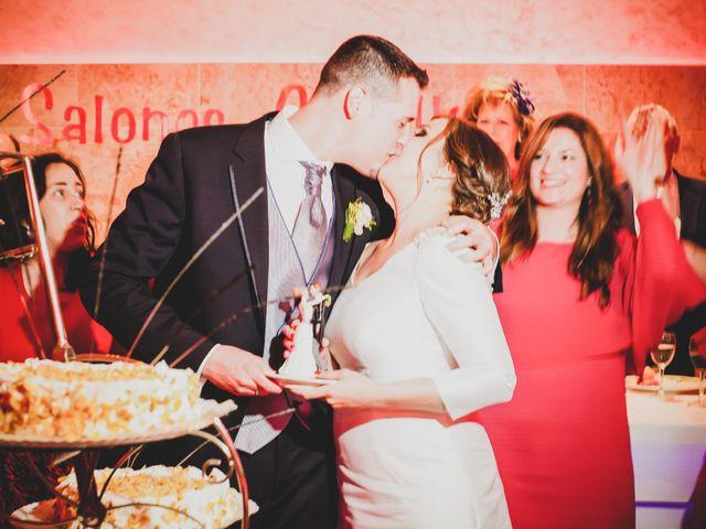 La boda de Santiago y Pilar en Bolaños De Calatrava, Ciudad Real 35