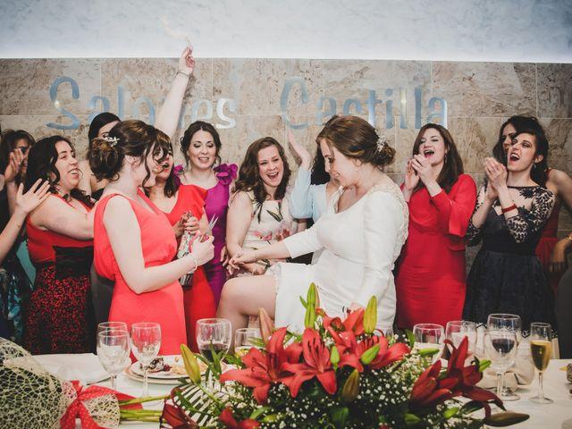 La boda de Santiago y Pilar en Bolaños De Calatrava, Ciudad Real 37