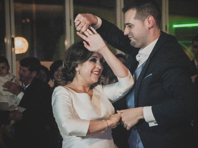 La boda de Santiago y Pilar en Bolaños De Calatrava, Ciudad Real 39