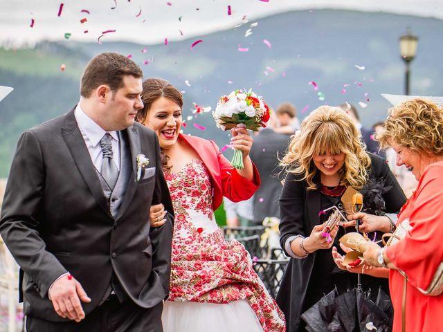 La boda de Iker y Janire en Dima, Vizcaya 40