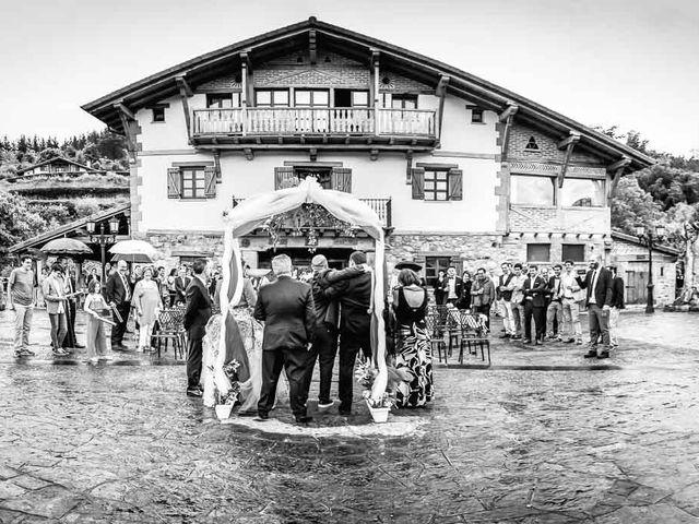 La boda de Iker y Janire en Dima, Vizcaya 42