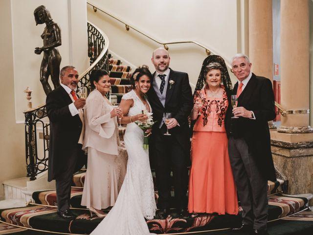 La boda de Yago y Noemi en Madrid, Madrid 90