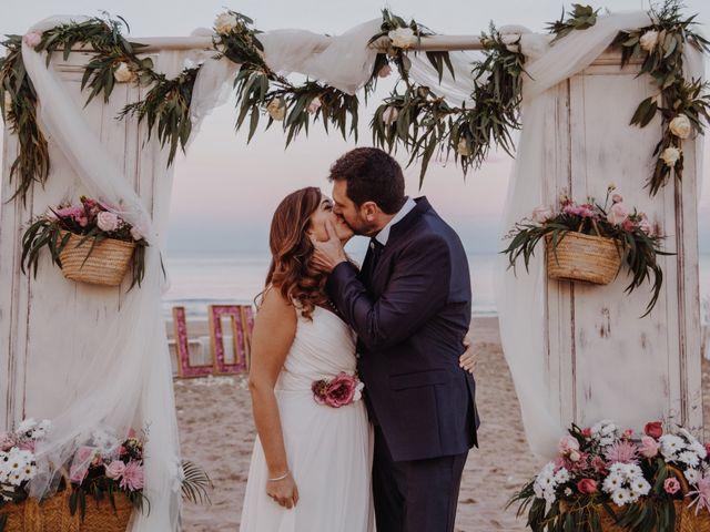 La boda de Román y María José en Mareny Blau, Valencia 18