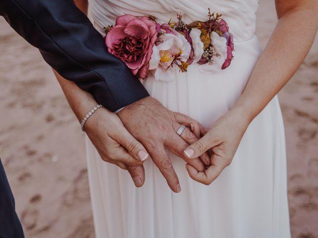 La boda de Román y María José en Mareny Blau, Valencia 1