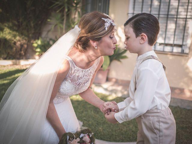 La boda de Carlos y Carmen en Montequinto, Sevilla 7