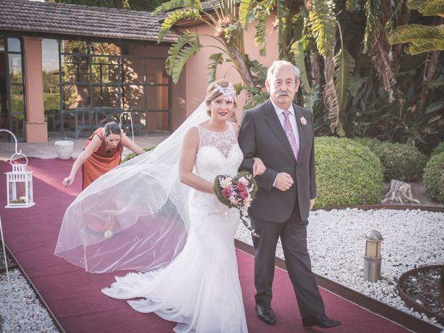 La boda de Carlos y Carmen en Montequinto, Sevilla 11