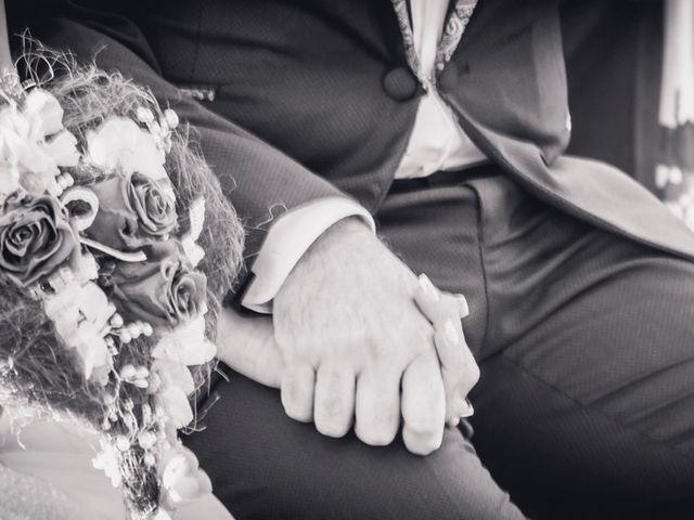 La boda de Carlos y Carmen en Montequinto, Sevilla 15