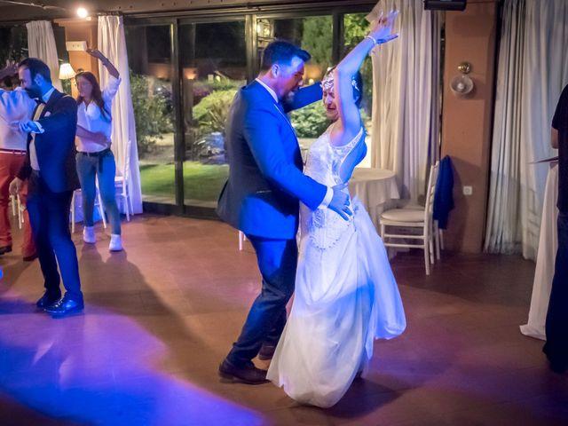 La boda de Carlos y Carmen en Montequinto, Sevilla 33