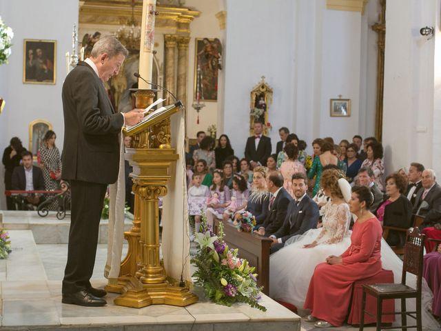 La boda de Cristóbal María y Lucía en Villamanrique De La Condesa, Sevilla 17