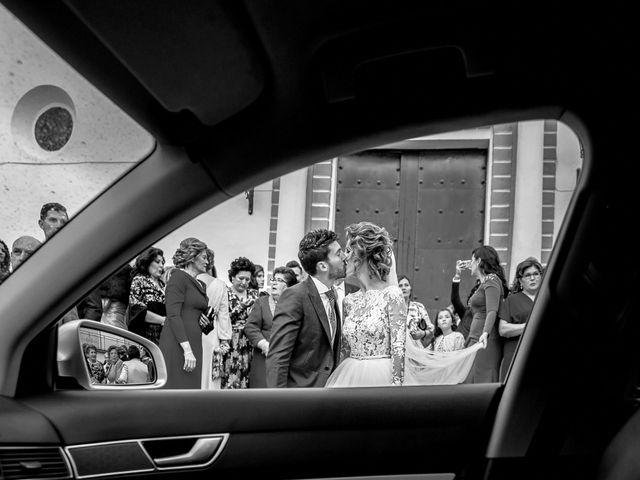 La boda de Cristóbal María y Lucía en Villamanrique De La Condesa, Sevilla 19