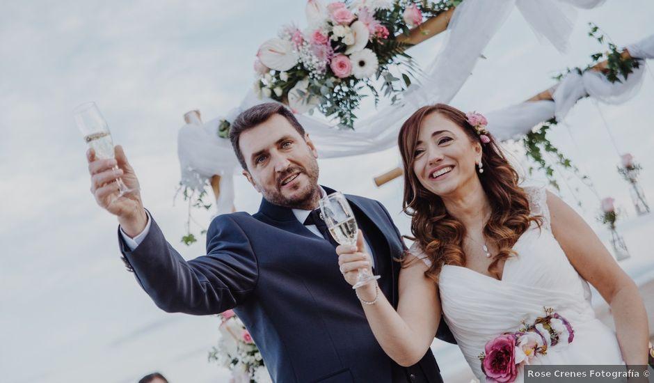 La boda de Román y María José en Mareny Blau, Valencia